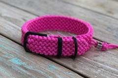 Hundehalsband-Paracord-Pink-3-cm-breit-stufenlos-verstellbar