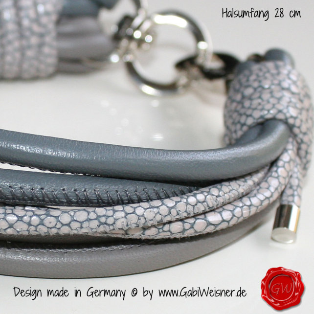 Eine passende Leine zu diesem Halsband wäre auch möglich und eine Anfrage dazu per Kontakt.