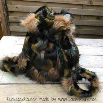 RucksackRausch Fellimitat im Camouflage Look